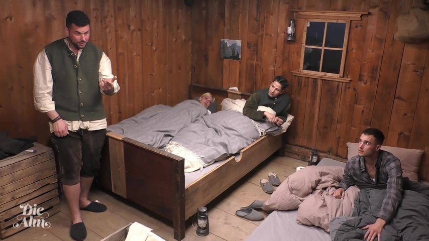 """Ioannis, Vivian, Yonce und Aaron bei """"Die Alm"""""""