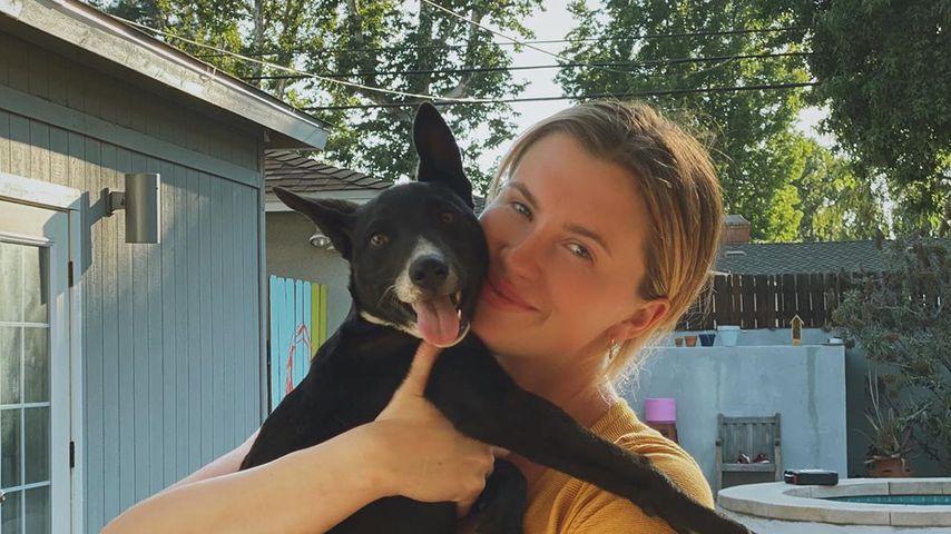 Ireland Baldwin mit ihrem neuen Hund