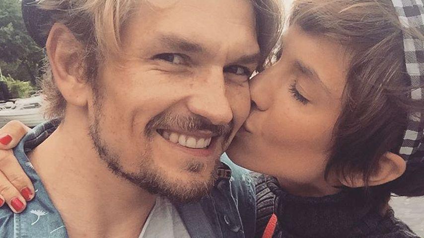 Isabell Horn und ihr Freund Jens Ackermann glücklich