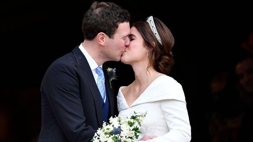Wie lange dauerte Eugenie & Jacks erster Kuss als Ehepaar?