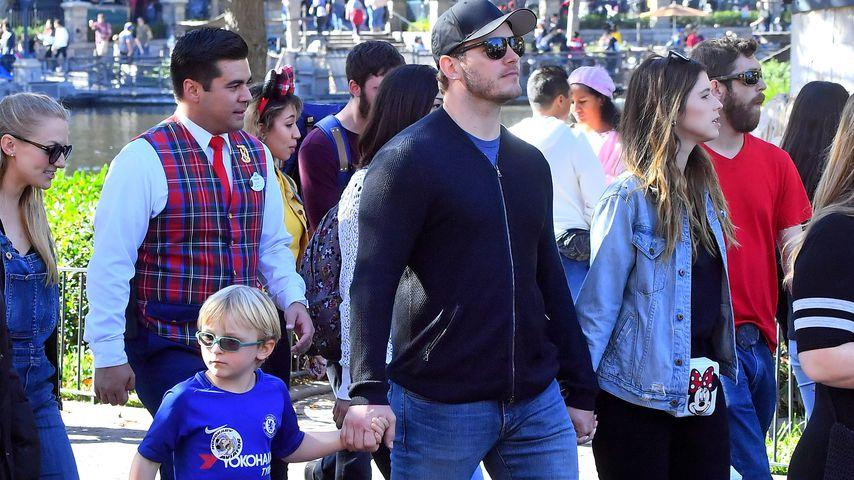 newest collection 92f54 66216 Chris Pratt war mit Katherine und Sohn Jack im Disneyland ...