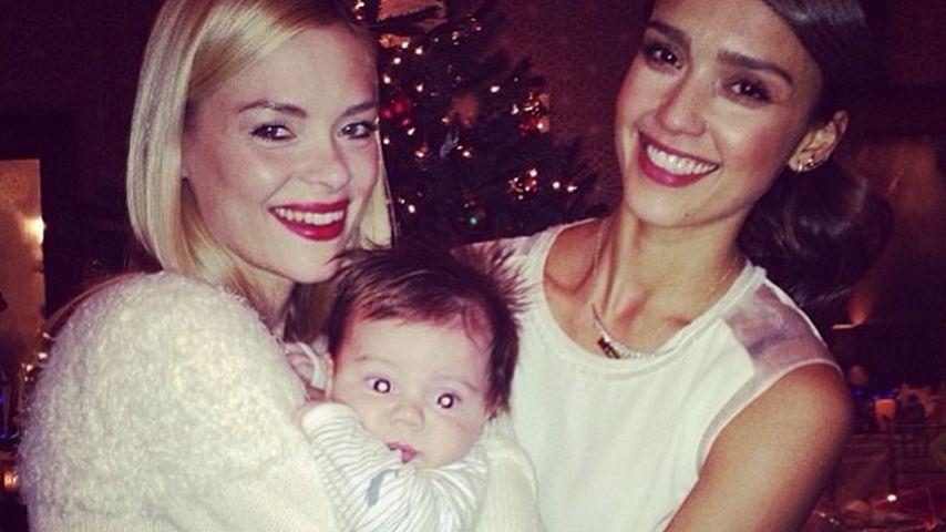 Süß! Jaime King & Jessica Alba kuscheln mit Baby
