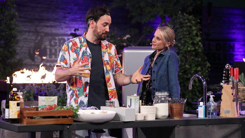 """Jan Köppen und Annie Hoffmann bei """"Grill den Henssler – Sommer-Special"""" im August 2019"""