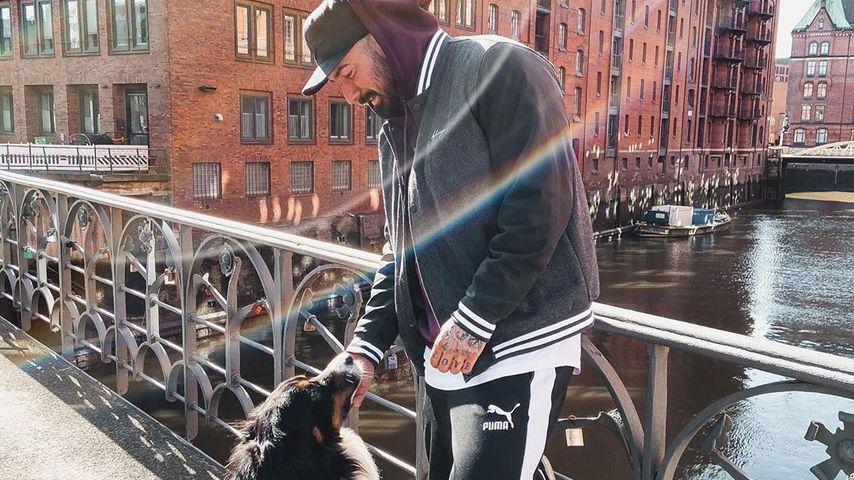 Jan Leyk mit Hund, 2020 in Hamburg