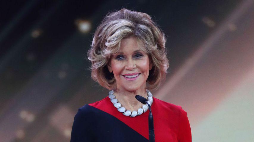 Jane Fonda mit der Goldenen Kamera 2017 für ihr Lebenswerk
