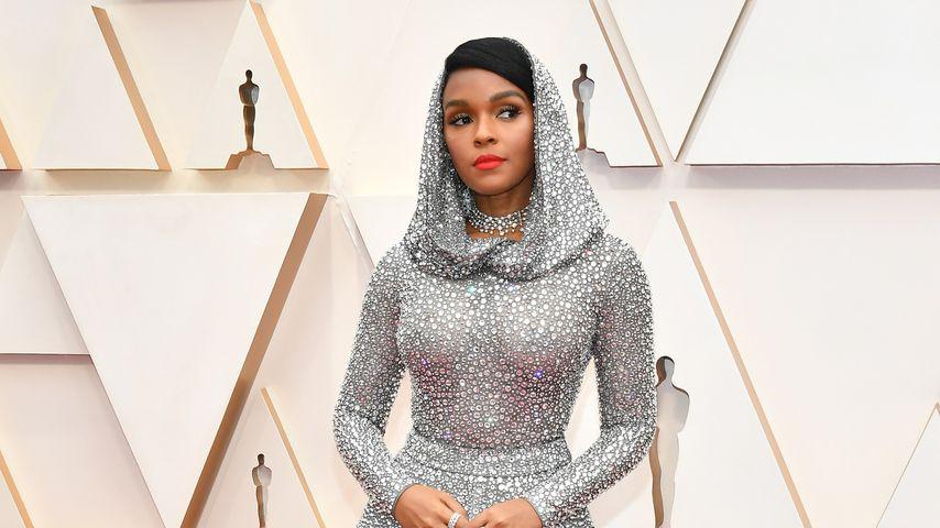 Von vier Leuten geliefert: Sie trug schwerstes Oscar-Outfit!