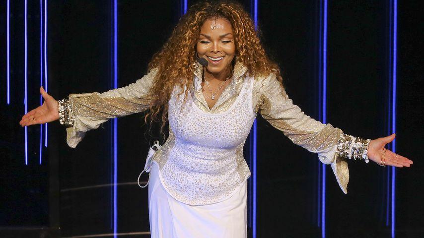 """Janet Jackson während ihrer """"Unbreakable""""-Tour"""