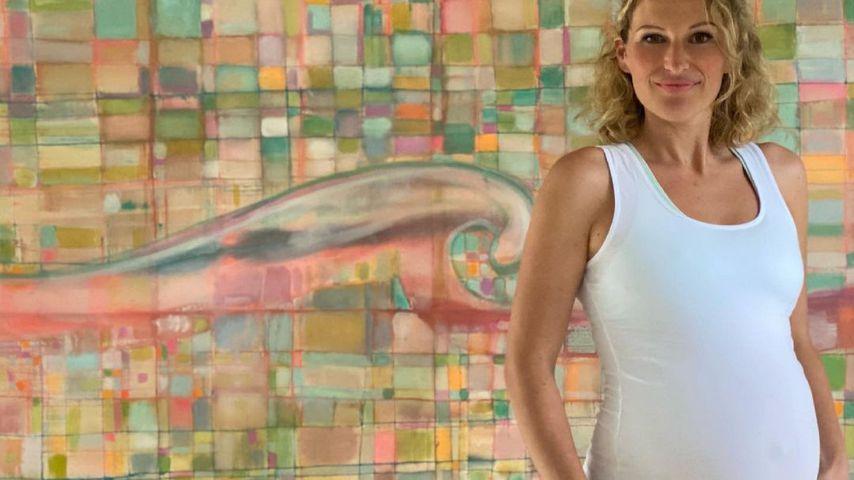 Janni Kusmagk mit offener Shorts