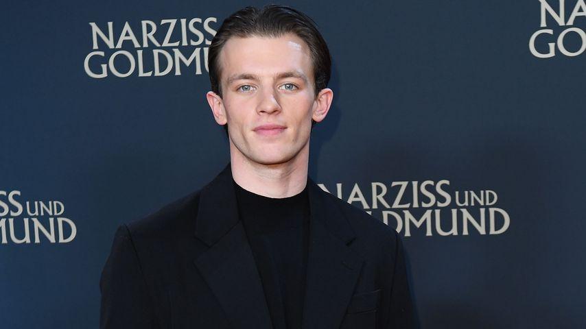 """Jannis Niewöhner bei der Premiere des Films """"Narziss und Goldmund"""" 2020"""