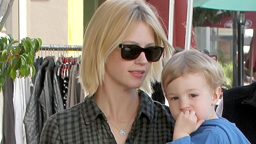 Niedlich! January Jones' Sohn Xander als Superheld
