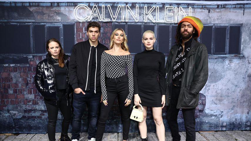 Jasna Fritzi Bauer, Elias Becker, Hailey Bieber, Emilia Schüle und Noah Becker