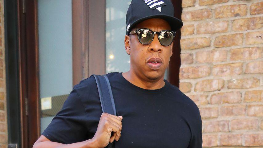 Jay-Z vor einem Hotel in New York