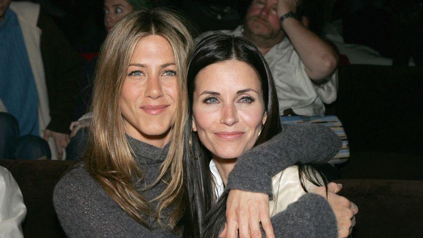 """Jennifer Aniston verbrachte ihren 49. B-Day mit """"Friends""""!"""