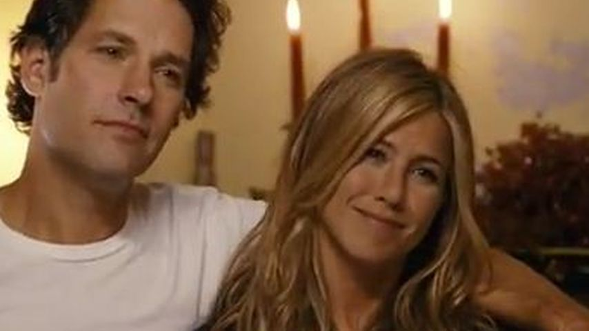 Jennifer Aniston & Paul Rudd gehen zu den Hippies
