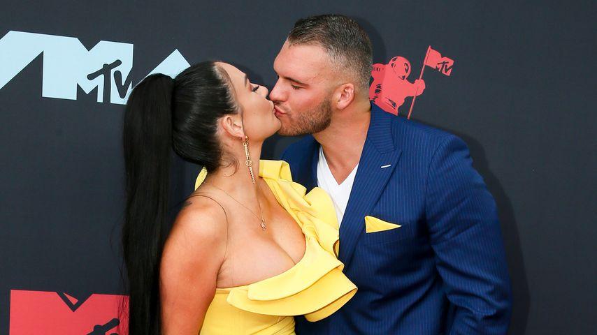 Jennifer Farley und Zack Clayton Carpinello bei den MTV Video Music Awards 2019