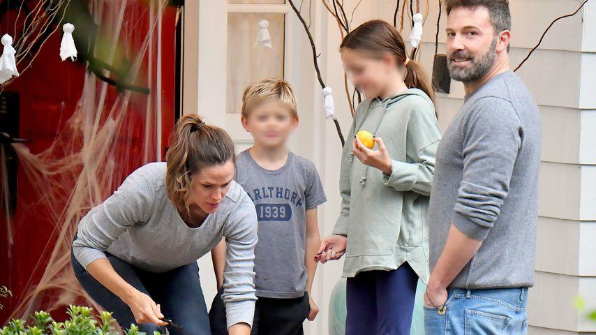 Jennifer Garner und Ben Affleck mit ihren Kindern an Halloween