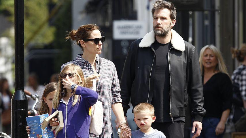 Jennifer Garner und Ben Affleck mit ihren Kindern in London