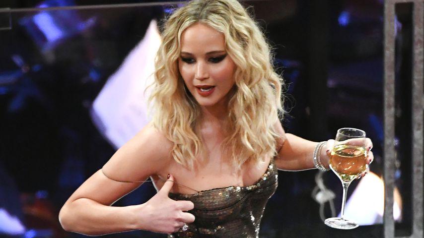 Zappeln, Alk & Spaß: Jennifer Lawrence ist die Oscar-Queen!