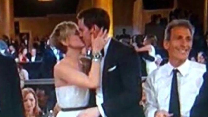 Liebesbeweis: Jen Lawrence küsst ihren Nicholas