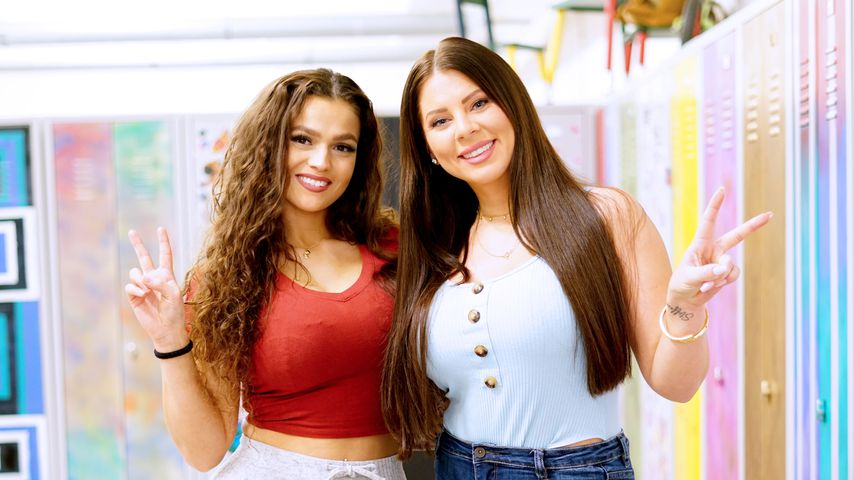 """Jennifer Lopes di Gaspare und Jenny Frankhauser am """"Krass Schule""""-Set"""
