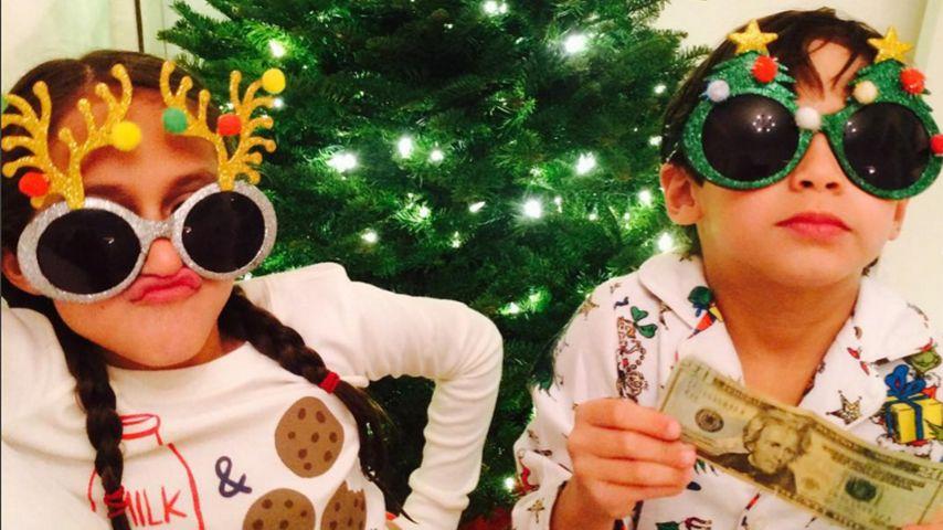 Das Outfit steht: J.Los Kids sind bereit für Weihnachten!