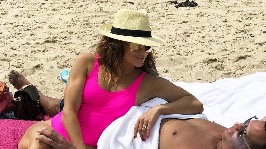 Doch verlobt? J.Lo heizt Fan-Spekulationen mit Klunker an!