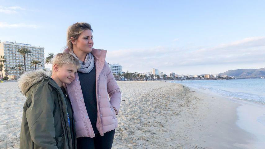 Jennifer Matthias (rechts) und ihr Sohn Leon auf Mallorca