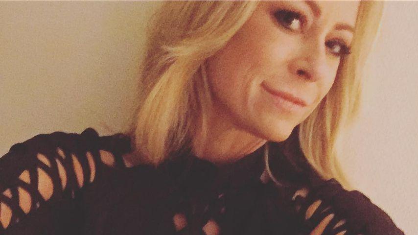 """Eine Granate"": Jenny Elvers versext Fans mit Cut-Out-Dress!"