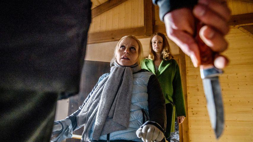 """Jenny Löffler und Jennifer Siemann in einer Szene von """"Sturm der Liebe"""""""