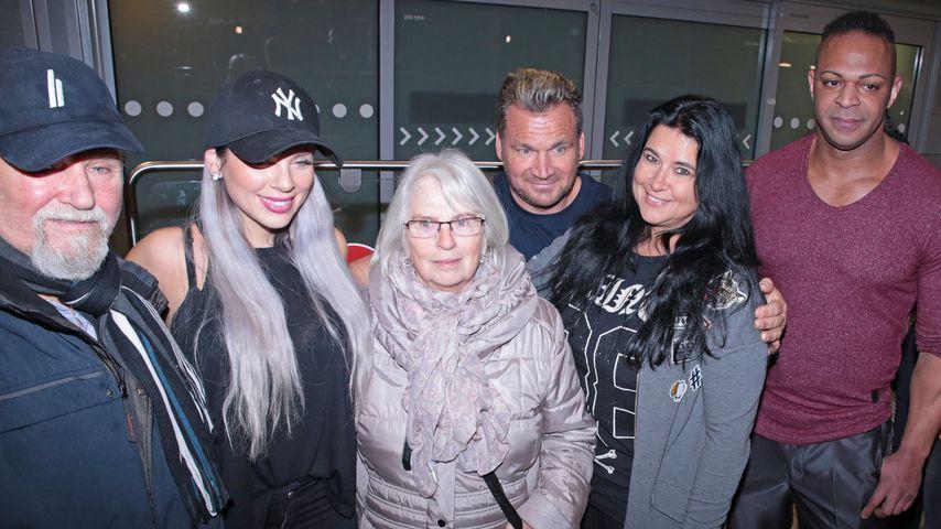 Jennifer Frankhauser mit ihren Großeltern, Mama Iris, Stiefpapa Peter und Jesse Fischer