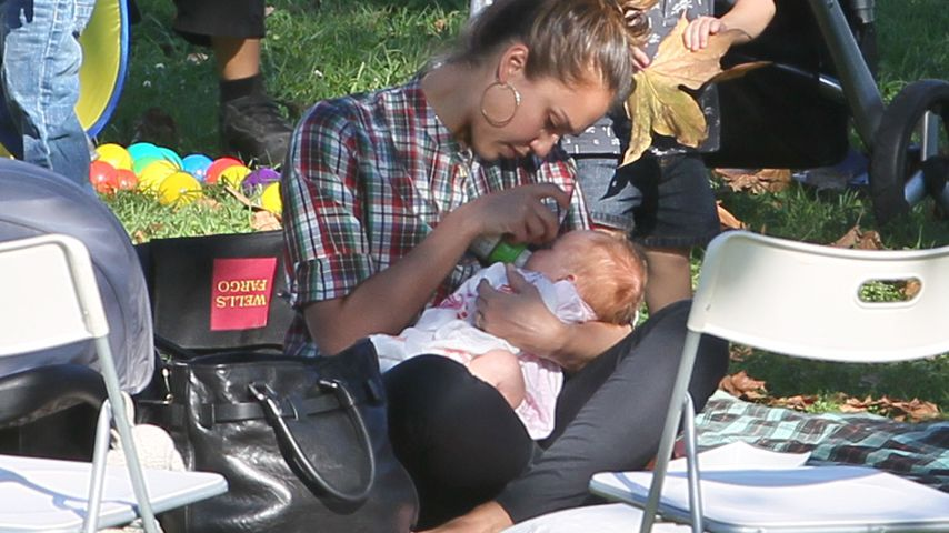 Jessica Alba mit ihrer Tochter Haven 2011