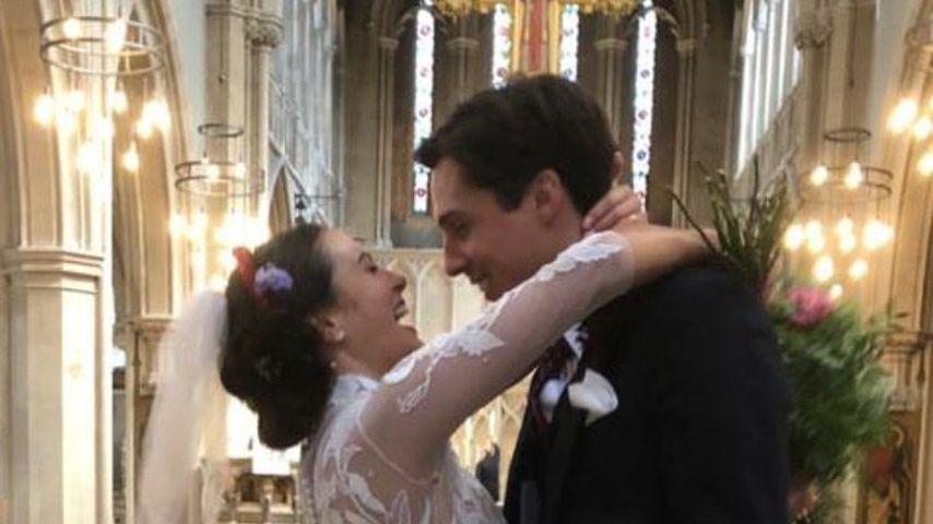 """Downton Abbey""-Star Jessica Brown Findlay hat geheiratet"