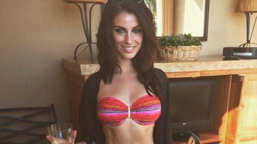 Krasser Bikini-Body! Jessica Lowndes zeigt Muskeln