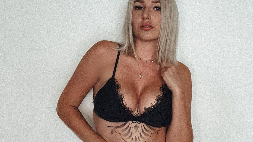 Underboob: Jessica Schröder hat neues XXL-Tattoo mit Mandala