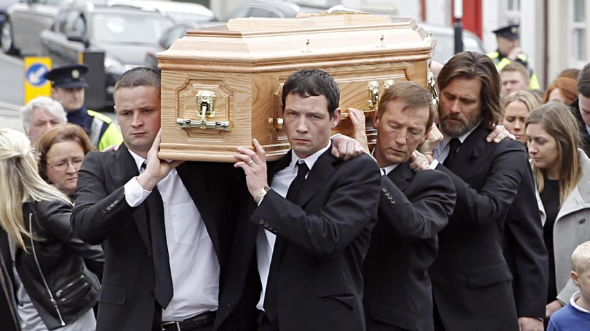 Beerdigung in Irland: Jim Carrey trägt Cathrionas (✝30) Sarg