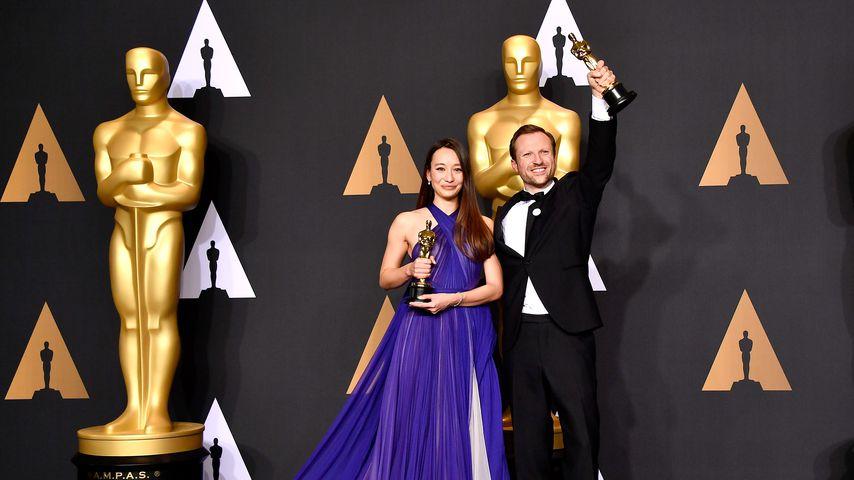 Joanna Natasegara und Orlando von Einsiedel bei der Oscarverleihung 2017