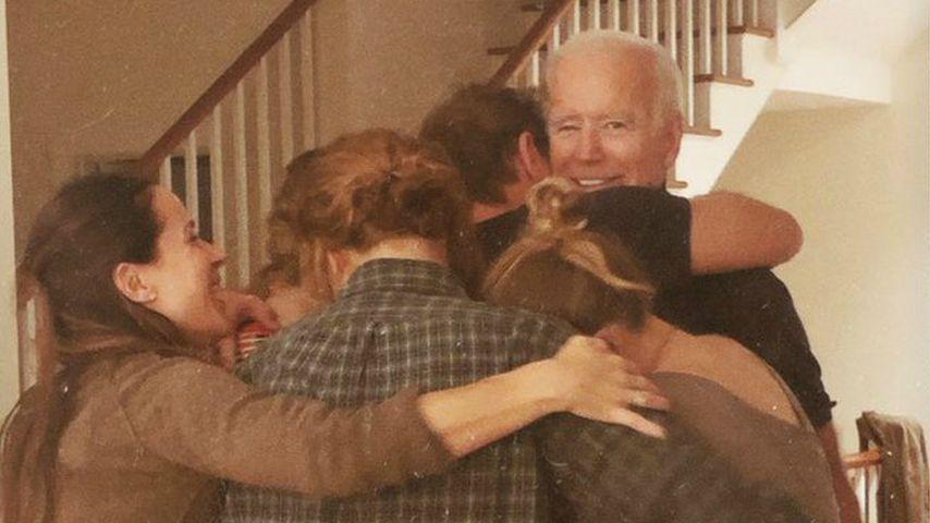 Joe Bidens Familie liegt sich nach Wahlsieg in den Armen