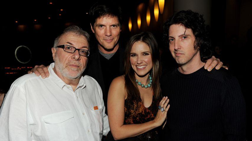 """Joe Davola, Paul Johansson, Sophia Bush und Mark Schwahn bei """"Ein Abend mit One Tree Hill"""" in L.A."""