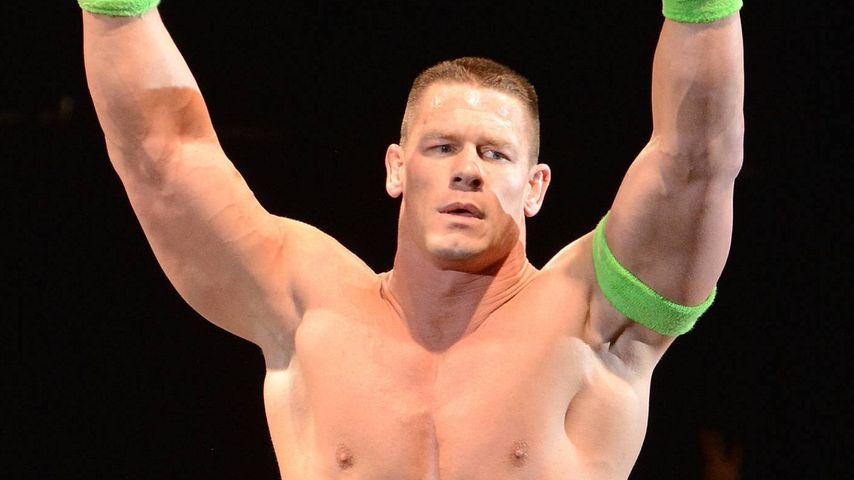 Echt?! WWE-Star John Cena rasiert sich täglich 30 (!) Min.