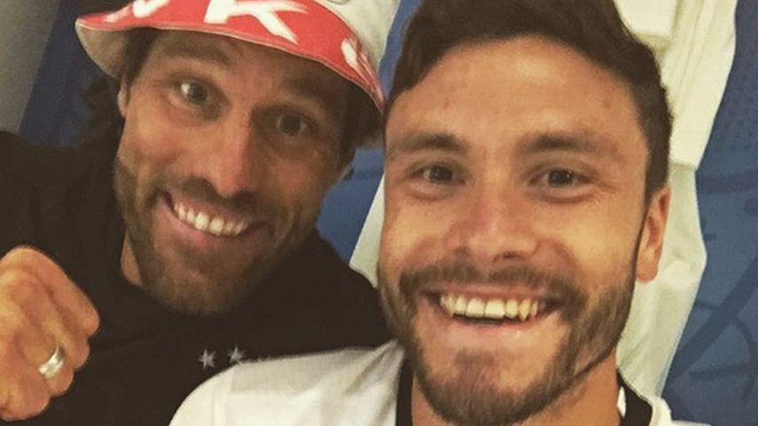 Jonas Hector und Yann-Benjamin Kugel nach dem EM-Viertelfinale gegen Italien