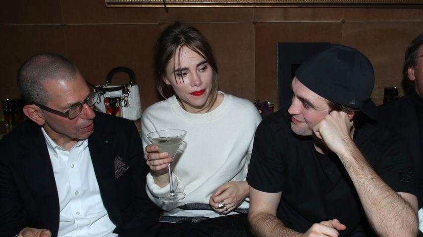 Jonathan Newhouse, Suki Waterhouse und Robert Pattinson im Januar 2020 in Paris