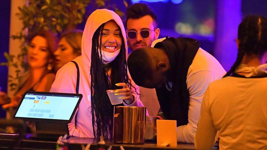 Neu verliebt? Jordyn Woods kuschelt beim Coachella-Festival!