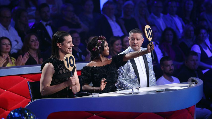 "Jorge Gonzalez, Motsi Mabuse und Joachim Llambi beim ""Let's Dance""-Finale 2017"