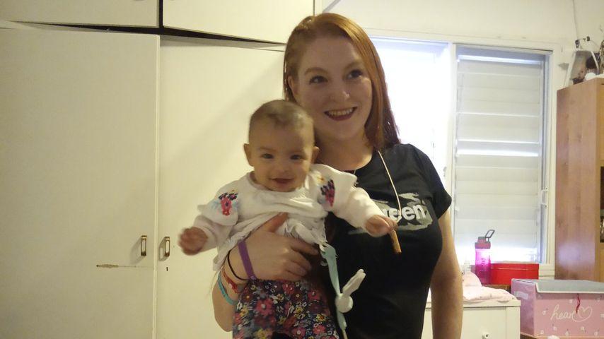 Josephine Gillan mit ihrer Tochter Gloria, April 2019