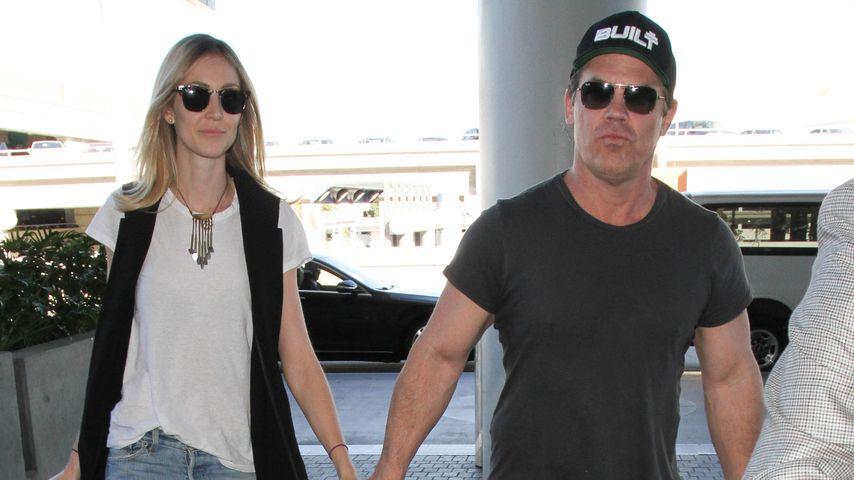 Josh Brolin und Kathryn Boyd vorm Flughafen in L.A.
