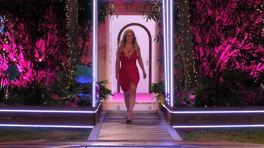 "Kandidatin Julia bei ""Love Island"" 2019"