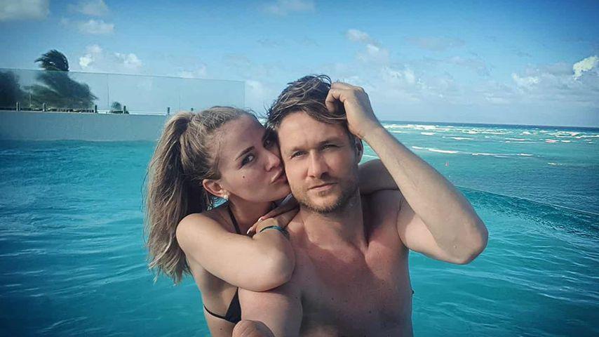 Zum Geburtstag: Nico Schwanz und Julias heiße Pool-Session!