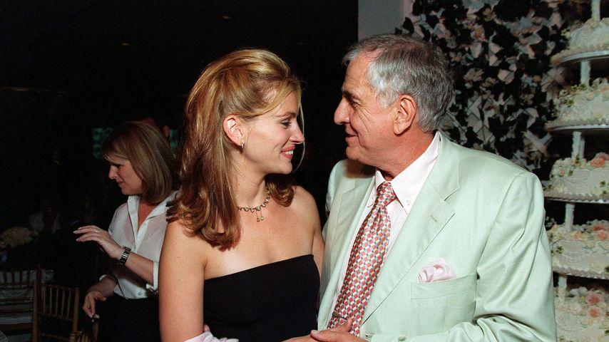 Julia Roberts und Garry Marshall im Jahr 1999