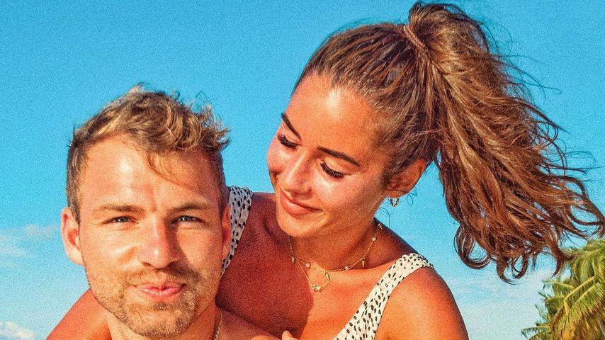 Sarah Lombardi und Julian Büscher kurz nach ihrer Verlobung