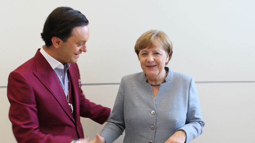 Politik-Praktikum: Julian F.M. Stoeckel trifft Angela Merkel